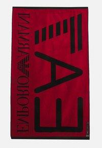 EA7 Emporio Armani - SEA WORLD VISIBILITY TOWEL - Bath towel - nero - 1