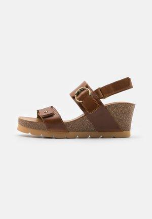 PULL UP - Platform sandals - camel