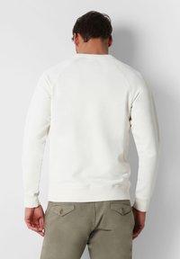 Scalpers - Sweatshirt - off white - 2