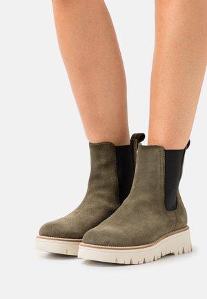 CLEO  - Platform ankle boots - oliv