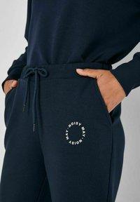 Noisy May - NMLUPA NW  - Tracksuit bottoms - navy blazer - 3