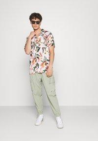 Levi's® - CUBANO - Shirt - neutrals - 1