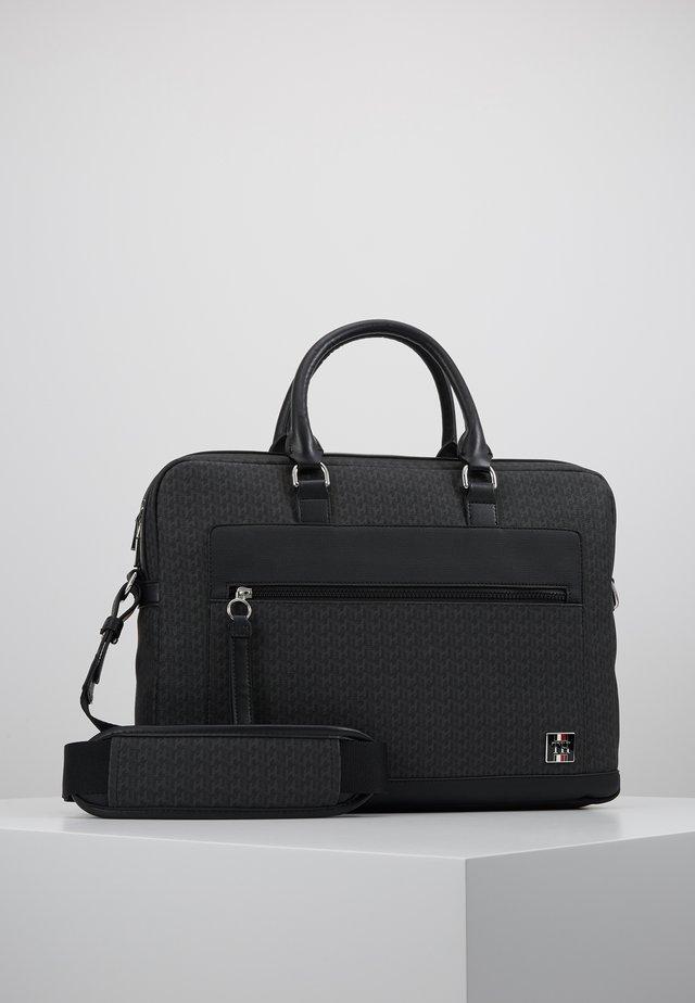 COATED COMPUTER BAG - Stresskoffert - black