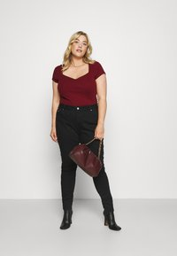 Anna Field Curvy - Basic T-shirt - bordeaux - 1