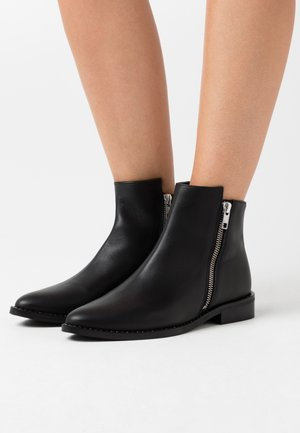 LANIE SUSTAINABLE - Classic ankle boots - doge black