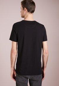 DRYKORN - KENDRICK - T-shirt basic - black - 2