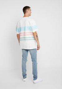 Topman - BLOWOUT - Jeans Skinny Fit - blue - 2