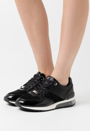 EEFJE - Trainers - black