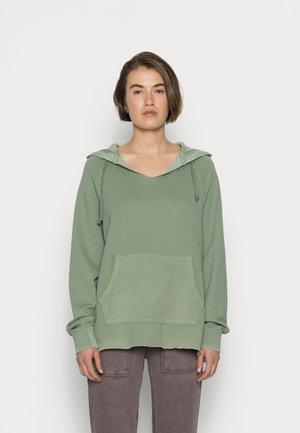 SPLIT NECK HOODIE - Sweatshirt - earthy vibes