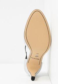 Tamaris - Classic heels - silver - 6