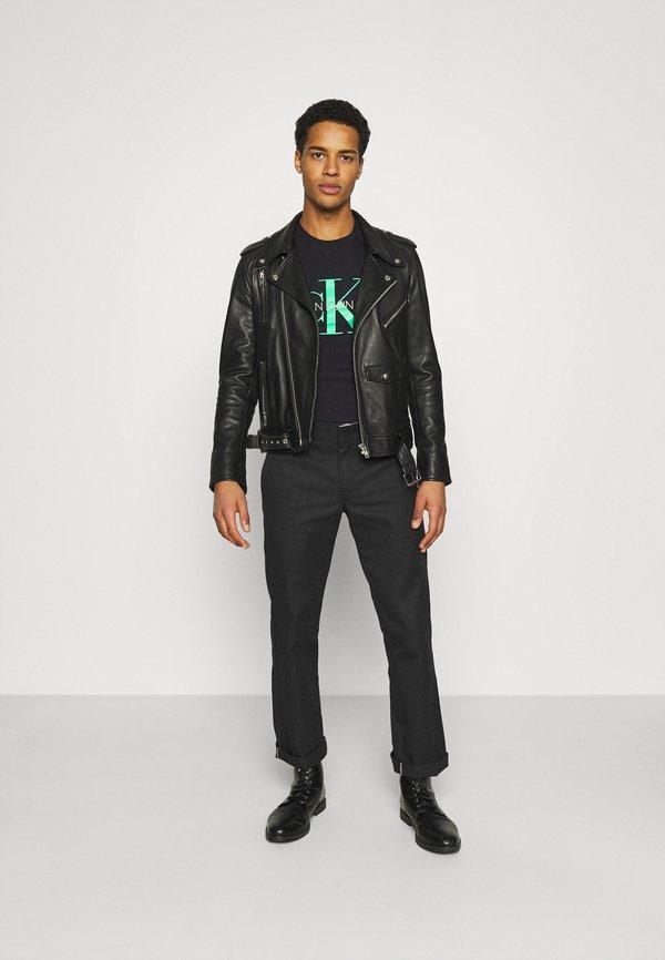 Calvin Klein Jeans SEASONAL MONOGRAM TEE - T-shirt z nadrukiem - black/andean toucan/czarny Odzież Męska KJSL