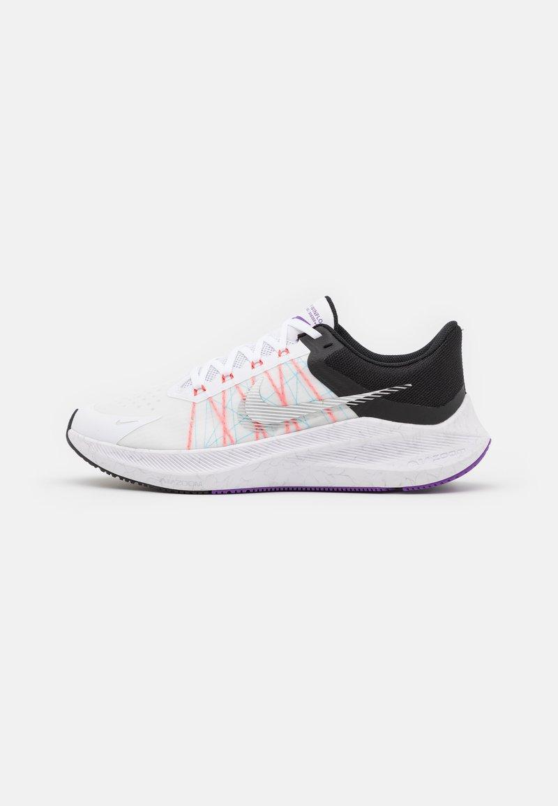 Nike Performance - WINFLO 8 - Neutrale løbesko - white/metallic silver/black/chlorine blue/flash crimson/wild berry