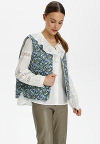 Soaked in Luxury - Waistcoat - mini flower print - 0