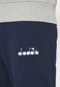 Diadora - TRACKSUIT CORE - Træningssæt - light middle grey melange - 5