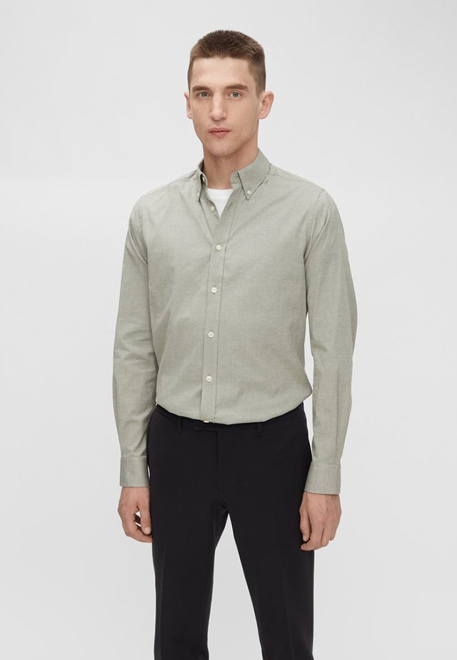 STRETCH OXFORD - Shirt - moss green