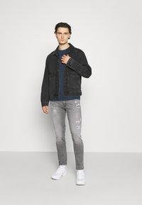 Replay - ANBASS AGED ECO - Jeans slim fit - medium grey - 1