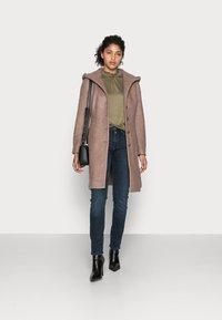 Cream - ANNABELL COAT - Classic coat - faded brown melange - 1
