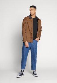 Dickies - BALTIMORE JACKET - Summer jacket - brown duck - 1