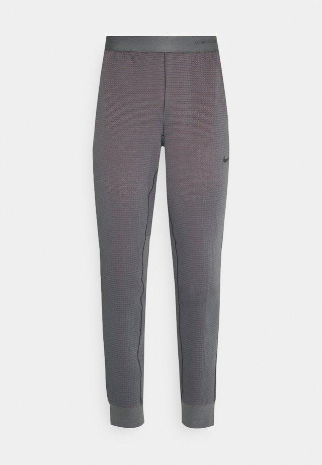 PANT - Tracksuit bottoms - dark grey/turf orange/(black)