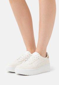 ASICS SportStyle - JAPAN  - Zapatillas - cream - 0