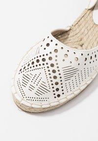 Miss Selfridge - LIBRA  - Loafers - white - 2