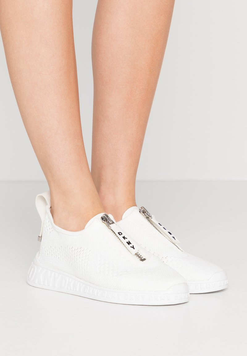 DKNY - MELISSA ZIPPER - Trainers - white