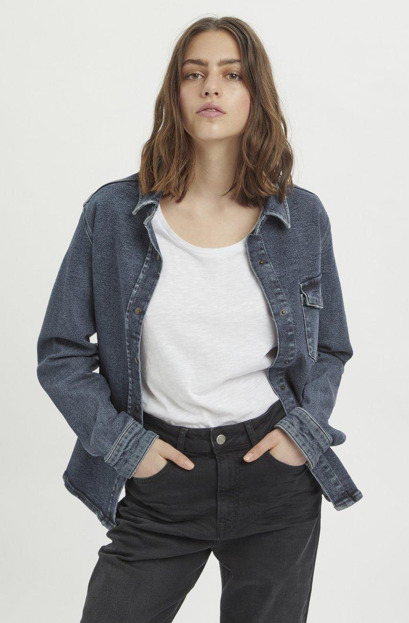 My Essential Wardrobe - Button-down blouse - medium blue retro wash