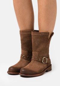 Felmini Wide Fit - GREDO - Cowboy/biker ankle boot - marvin brown - 0