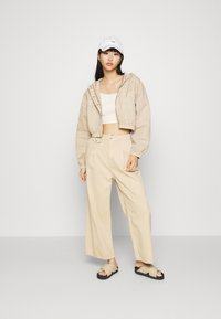 BDG Urban Outfitters - JARED UTILITY JACKET - Denim jacket - beige - 1