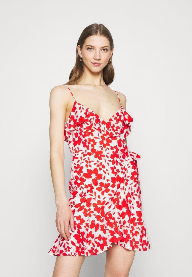 BEA RUFFLE MINI DRESS - Korte jurk - ruby