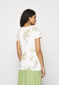 Ted Baker - IRENNEE - Print T-shirt - white - 2