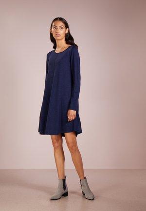 Pletené šaty - ink