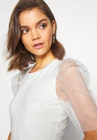 Vero Moda - VMPANDA  - Print T-shirt - snow white - 6