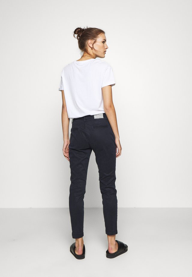 LOVELY POWERSTRETCH - Chinos - marine