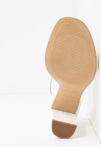 New Look Wide Fit - WIDE FIT VARONA - Sandaler med høye hæler - white - 6