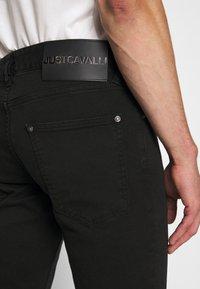 Just Cavalli - PANTALONE - Džíny Slim Fit - black - 3
