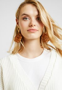 Missguided Tall - BELTED BUCKLE BALLOON SLEEVE CARDIGAN - Cardigan - cream - 4
