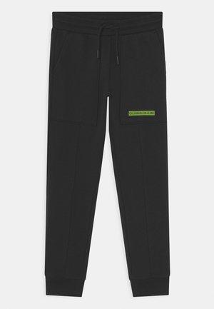 MICRO LOGO - Teplákové kalhoty - black