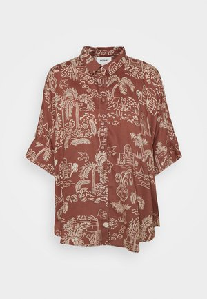 Button-down blouse - summer in france