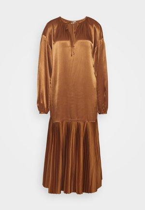 LEMONA - Koktejlové šaty/ šaty na párty - walnut