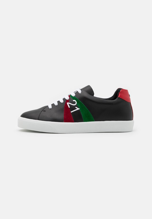 GYMNIC - Baskets basses - black/red/green