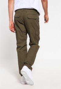 Dickies - EDWARDSPORT - Cargo trousers - dark olive - 2