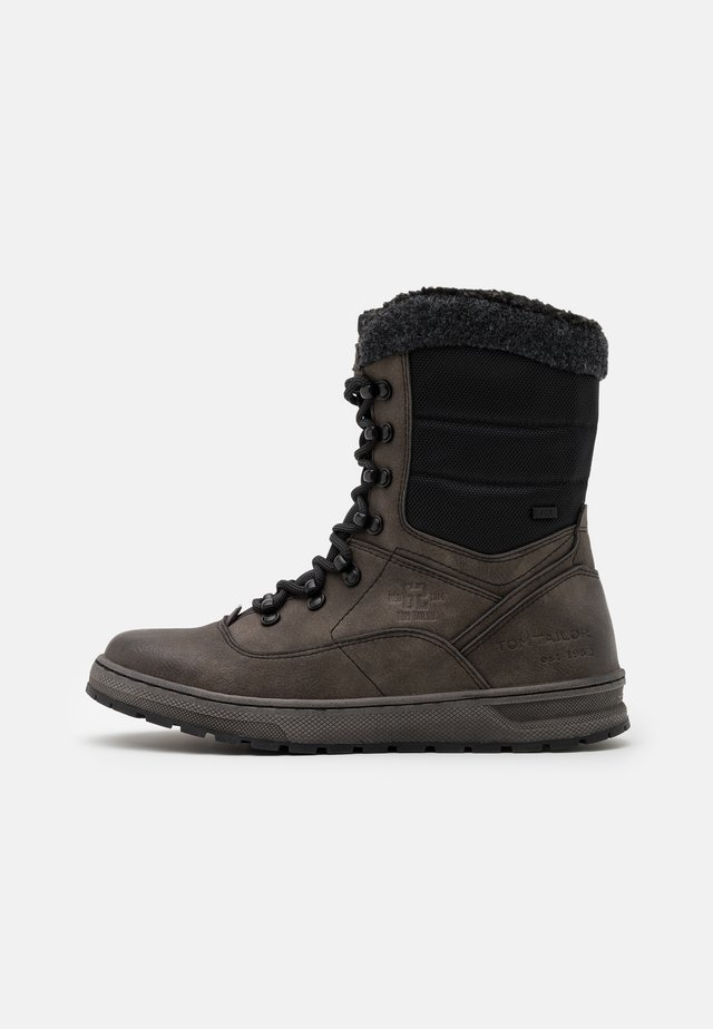 Winter boots - stone