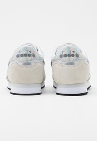 Diadora - SIMPLE RUN  - Zapatillas - white - 3