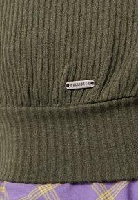 Hollister Co. - LONG SLEEVE BOYFRIEND  - Long sleeved top - olive - 6