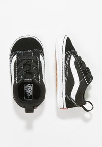 Vans - IN OLD SKOOL CRIB - Babyschoenen - black/true white - 3