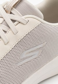 Skechers Performance - GO WALK JOY DELUXE - Zapatillas para caminar - taupe - 5