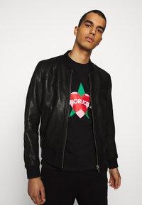 Fiorucci - STAR AND HEART TEE  - Print T-shirt - black - 3