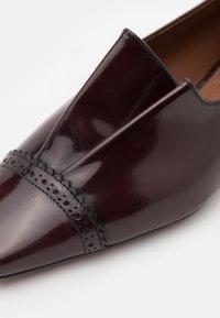 L'Autre Chose - Scarpe senza lacci - bordeaux - 4