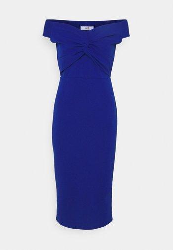 JORDYN OFF THE SHOULDER MIDI DRESS - Cocktail dress / Party dress - electric blue